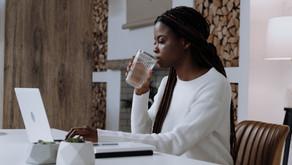 Problemas na voz? Descubra porque beber água pode te ajudar