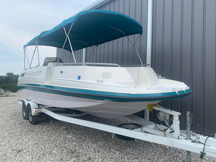 1995 Chaparral 250 Deck Boat