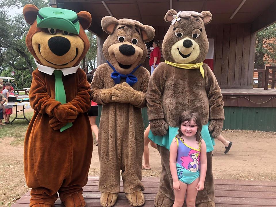 yogi bear at jellystone park