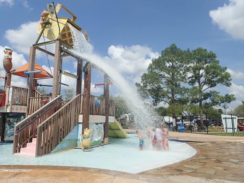 Splash at Jellystone Park