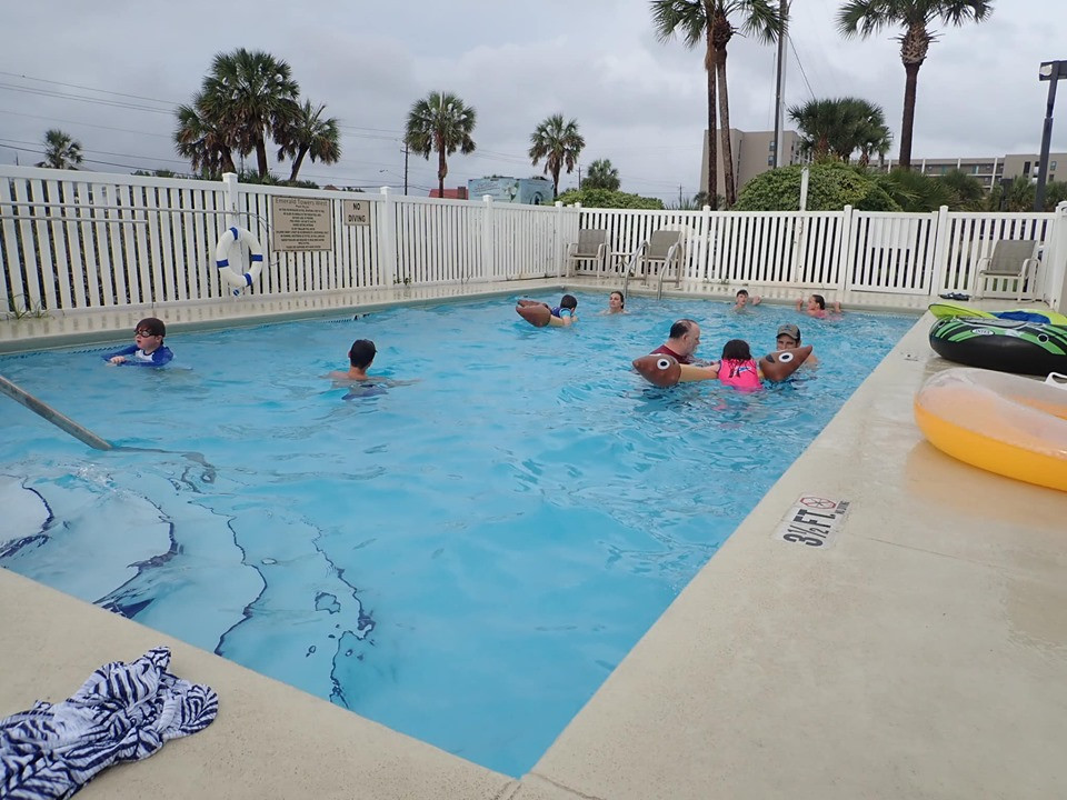 pool at Emerald Towers in Fort Walton Beach
