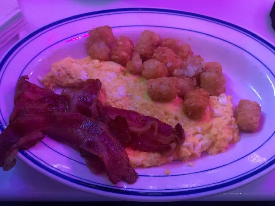 Breakfast at Ellen's Stardust Diner