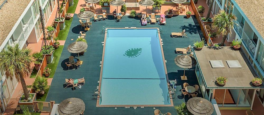 El Tropicano Pool