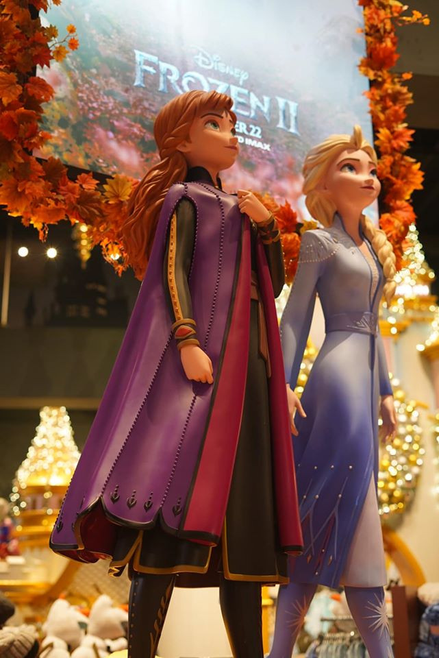 Frozen Statues at Disney Store