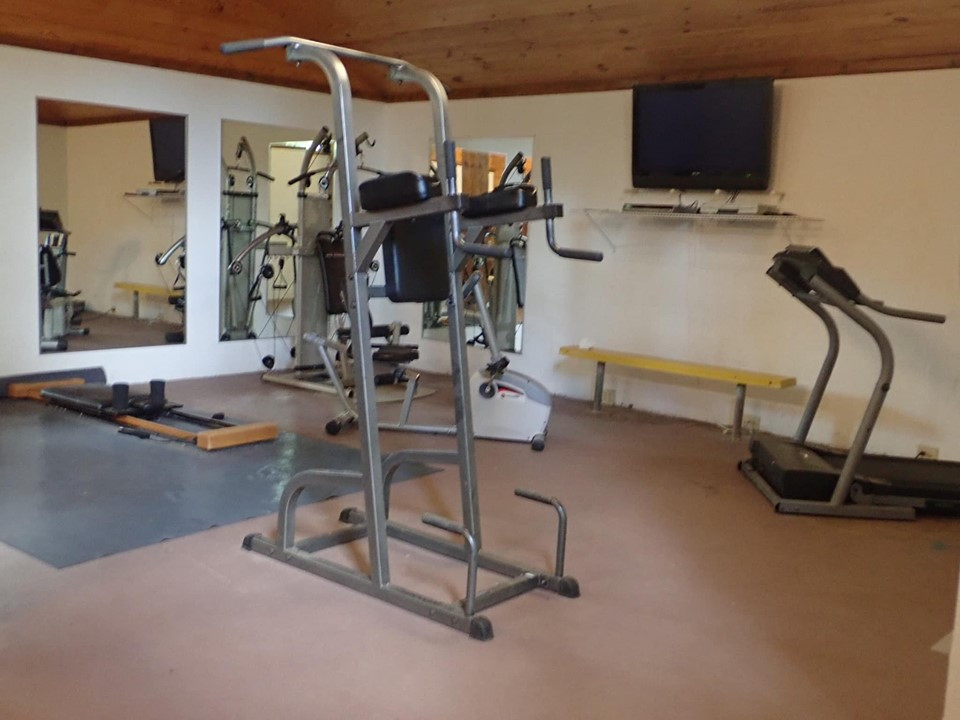 fitness center at artesian lakes