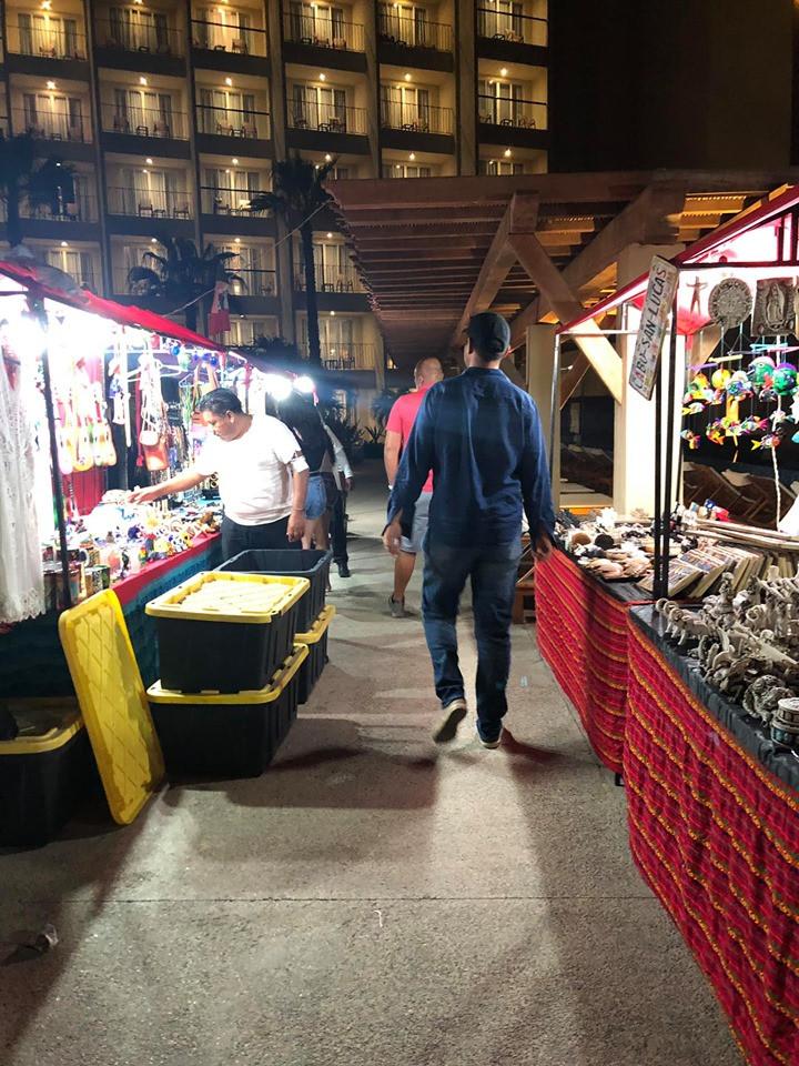 street vendors in cabo