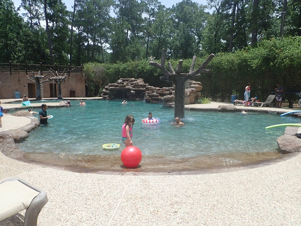pool The Retreat at Artesian Lakes in Texas