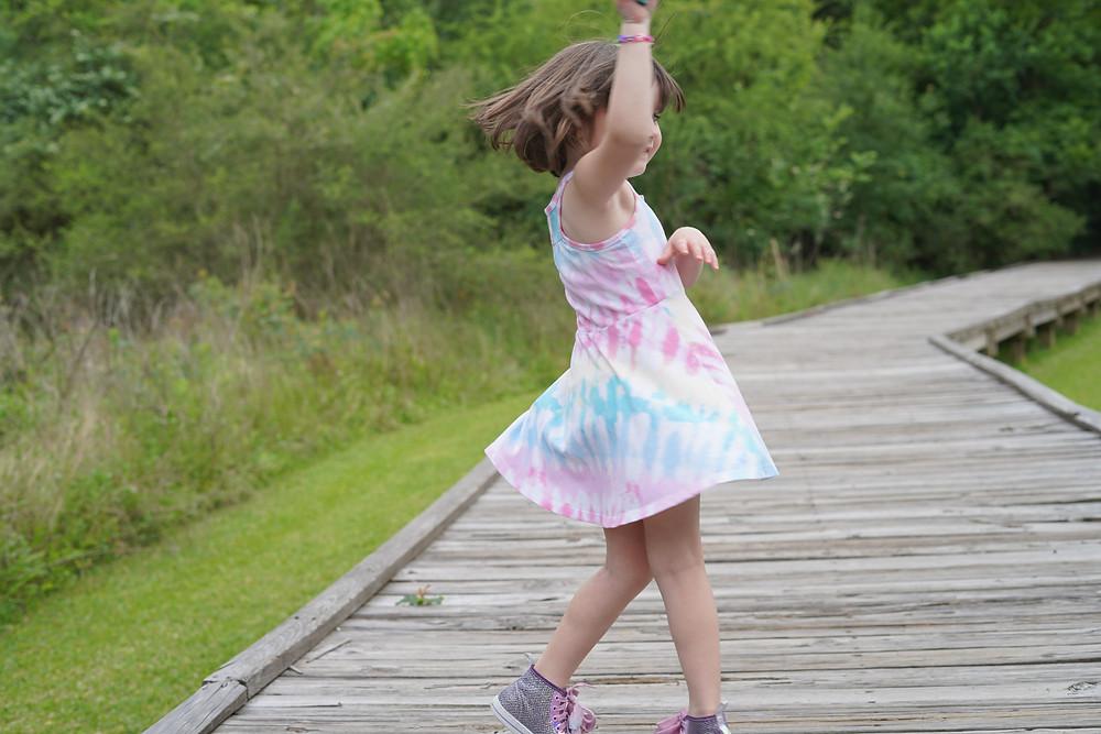 Harper dancing
