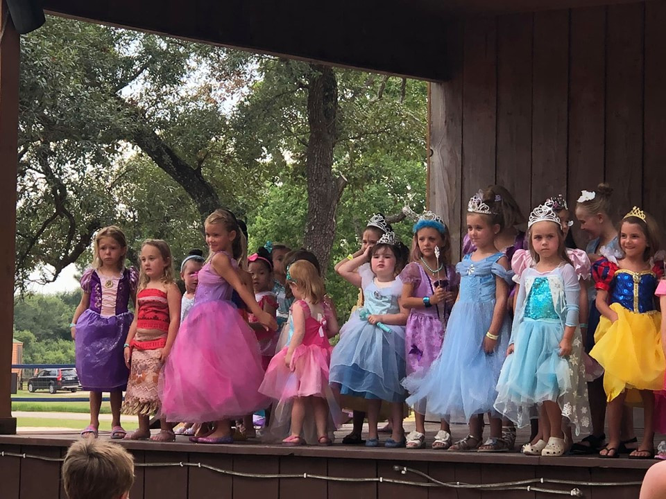 princess dressup at jellystone park