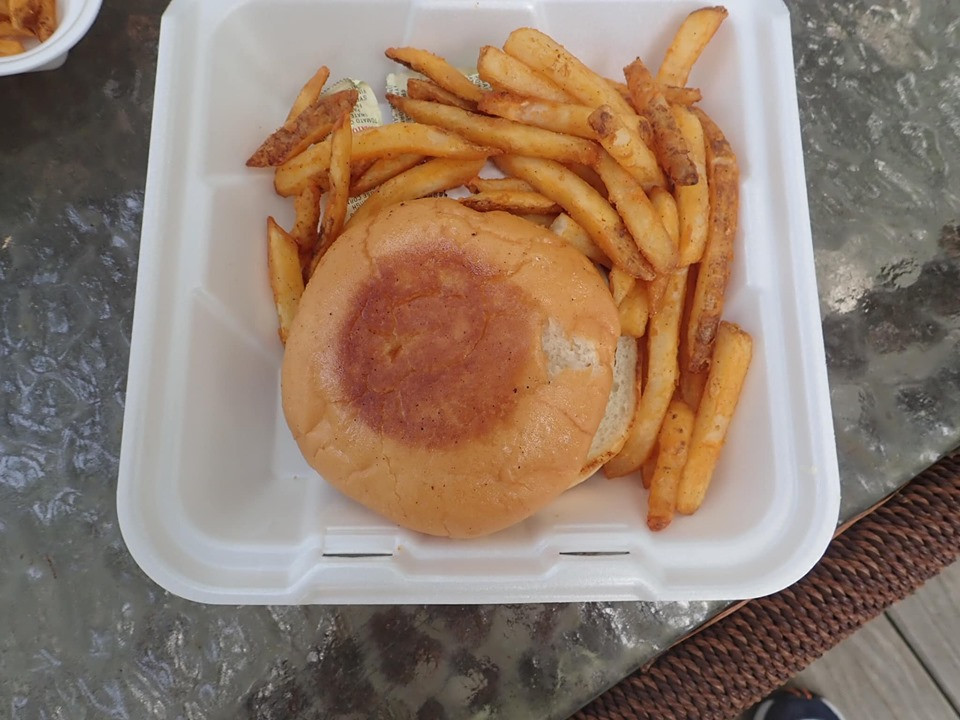 hamburger at artesian lakes