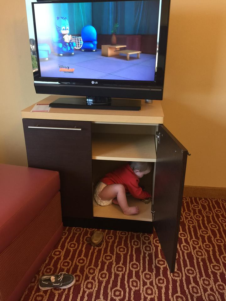 baby playing in hotel in dallas