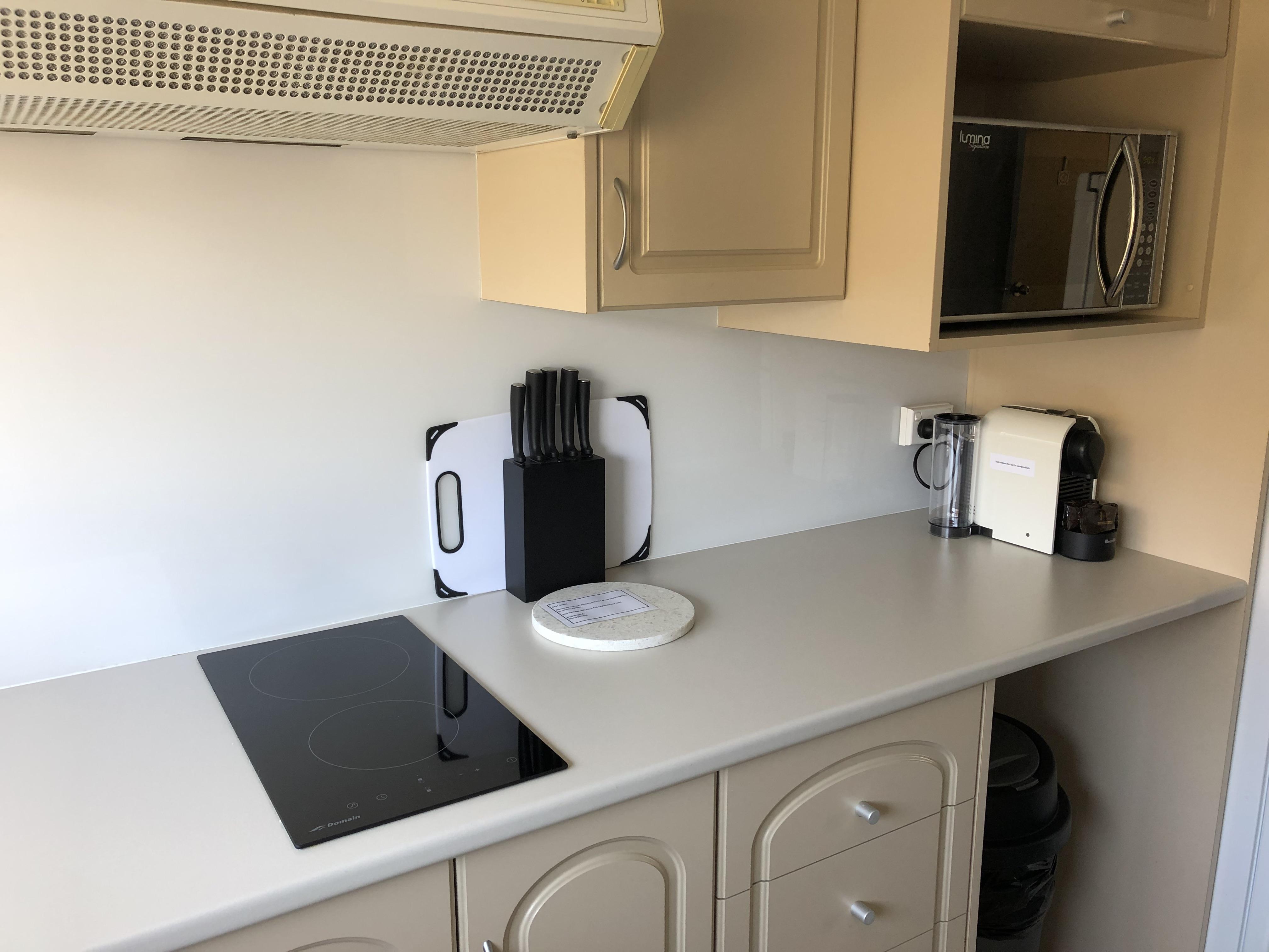 Hotplates and coffee machine