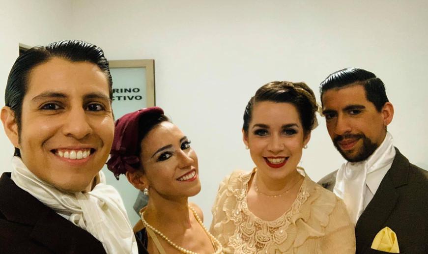 Bailarines - Dancers