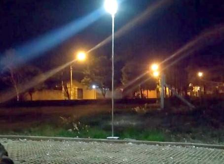 Praça pública com Luminárias Solares da Fotovolt em SP