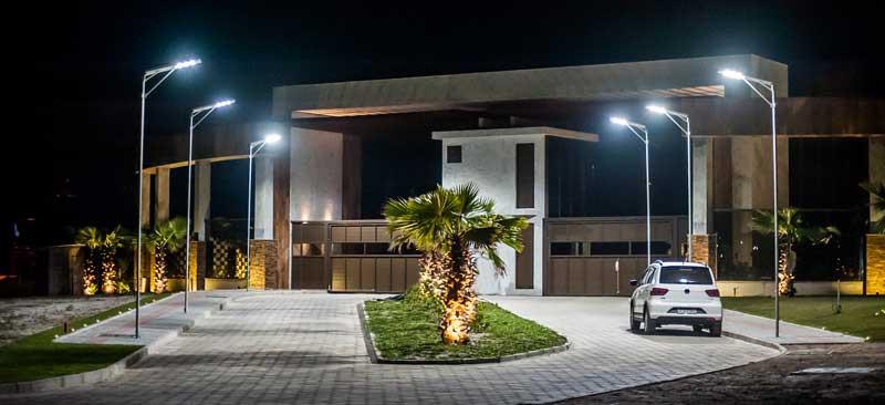 Luminárias Solares no Condomínio Aqualina Lake Club em Santa Catarina