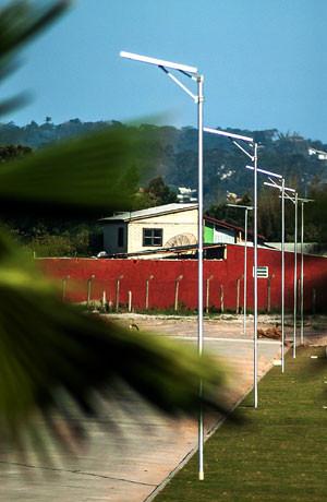 Parque Villa Lobos com Poste Solar e Luminária Integrada