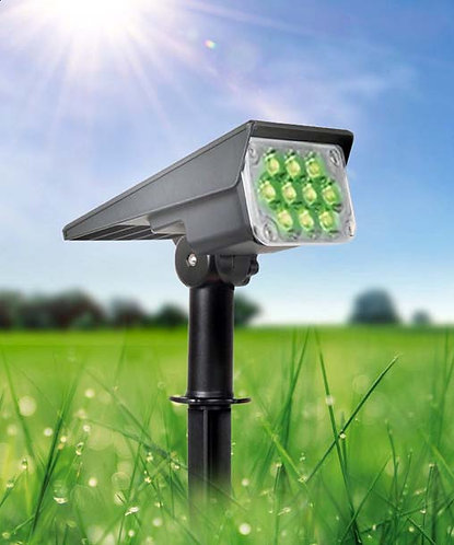 Luminária Solar Spot 7 W Verde para Piso, Gramado ou Parede 500 Lúmens