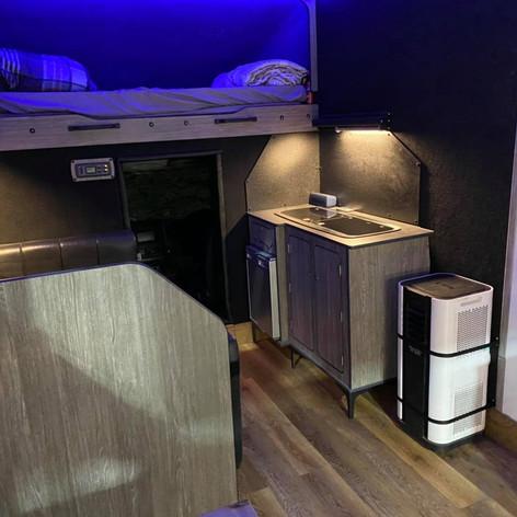 Kitchen & storage