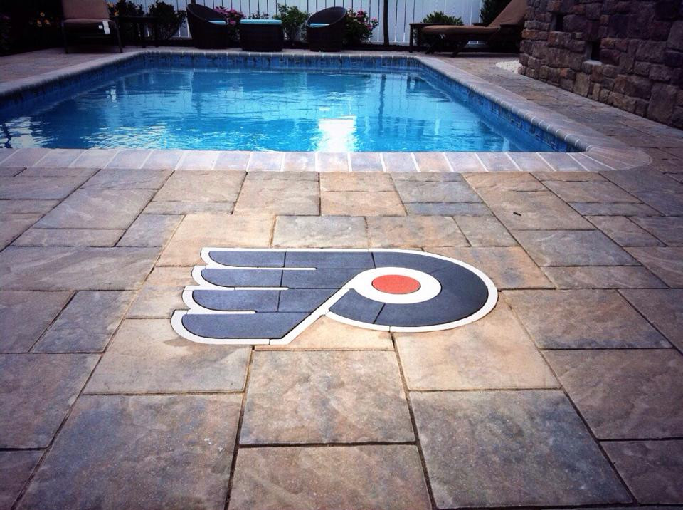 PAVERART, Inlay, Patio, patio inlay, pavers, hardscaping, outdoor living, landscape architecture, landscape design, flyers logo