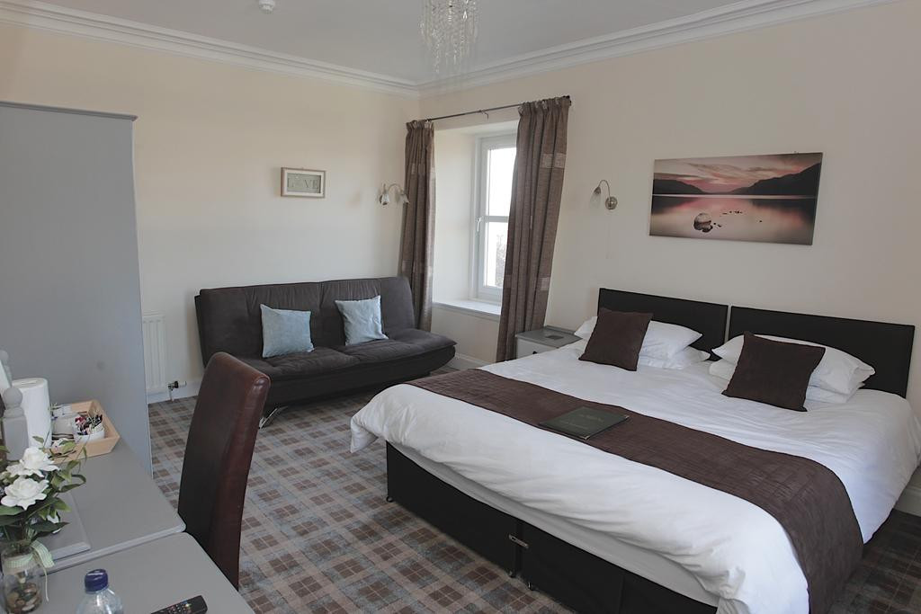   Near Cargill Fishponds and Meikleour beats we have5 en-suite rooms, a dog friendly public bar and restaurant serving lunch, evening meals and Sunday Carvery.    Just 6 miles from Perth and 9 miles from Blairgowrie we areperfectly situated for fishing on Britians largest andmost famous salmon river The Tay.    We are perfectly placed to play some of Scotlands most exciting golf courses. We are just a 10 minute drive to one of thethe UK's most highly regarded golf clubs, famous for its rich history and Championship golf courses, The Blairgowrie Golf Club will not disappoint.2.jpg