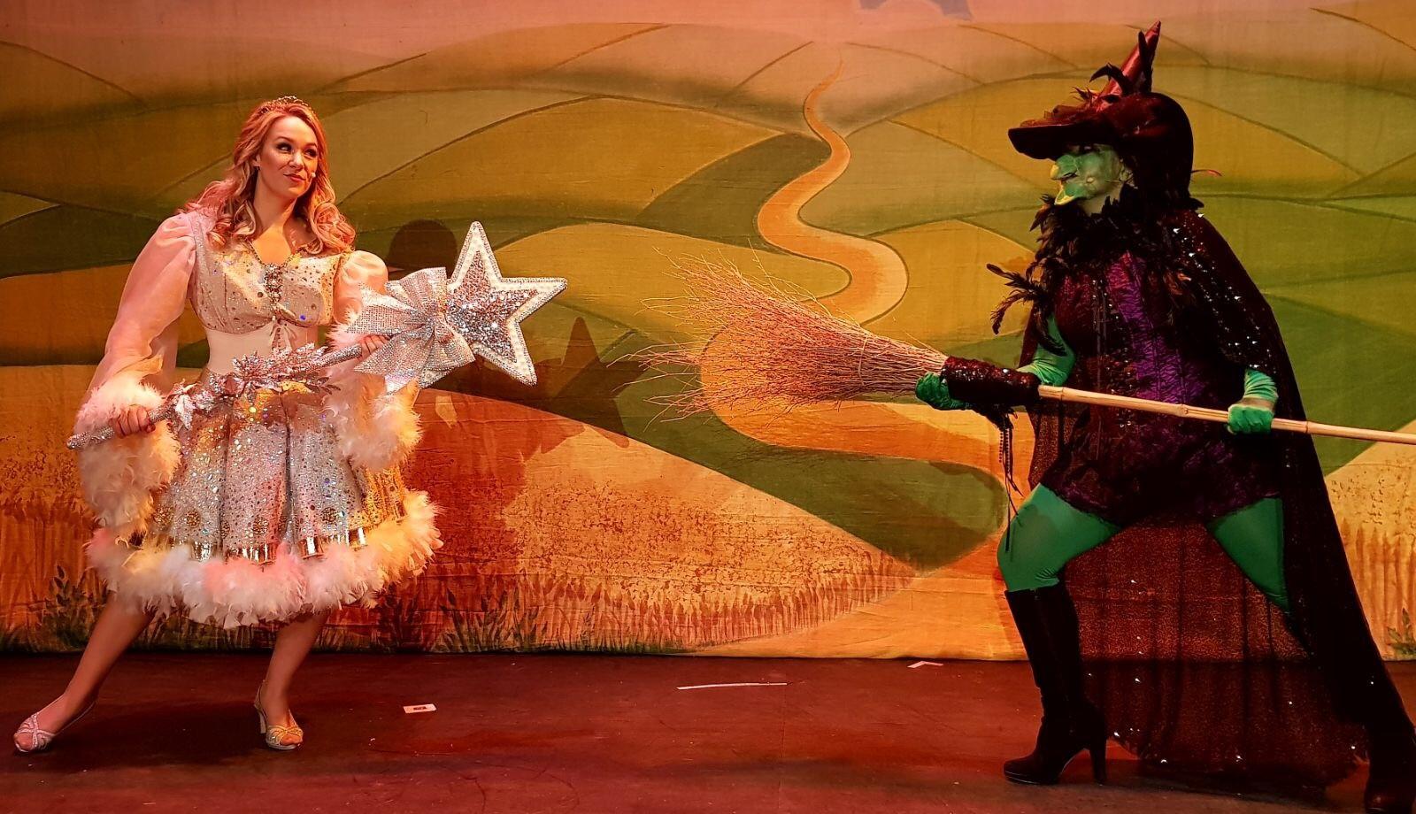 Glinda in The Wizard Of Oz, International Tour