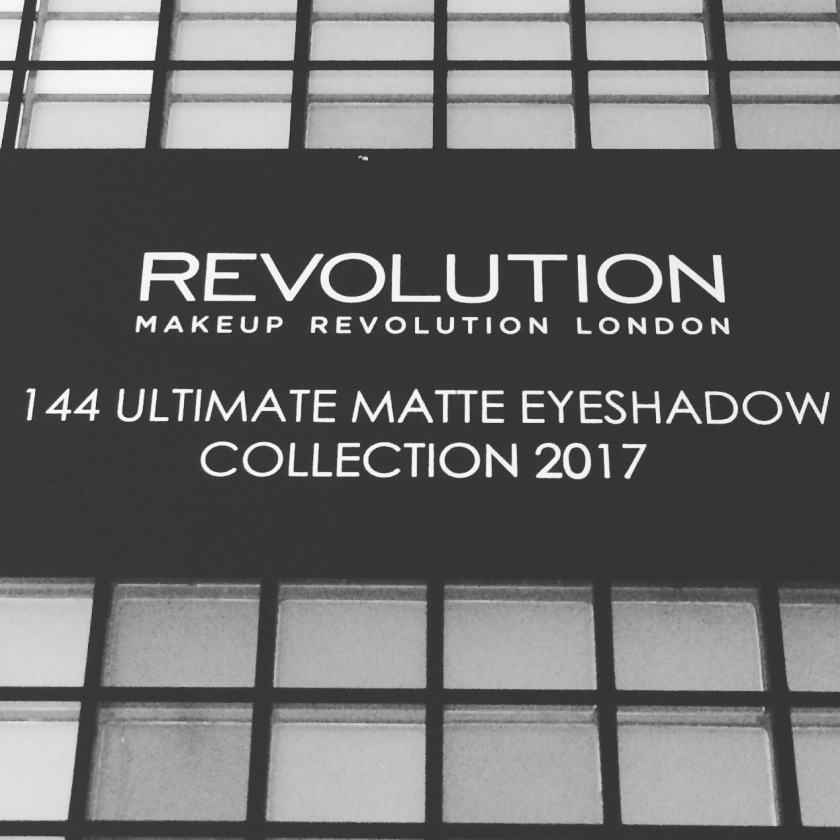 REVIEW: MAKEUP REVOLUTION 144 ULTIMATE MATTE EYESHADOW COLLECTION 2017 | notevenlook