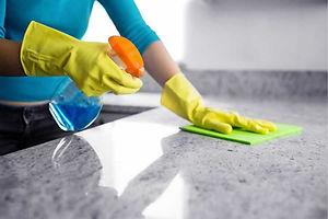 clean a counter 2.jpg