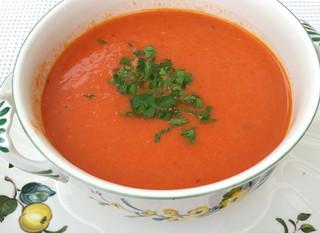"""Einfache Tomatensuppe """"halb-und-halb"""""""