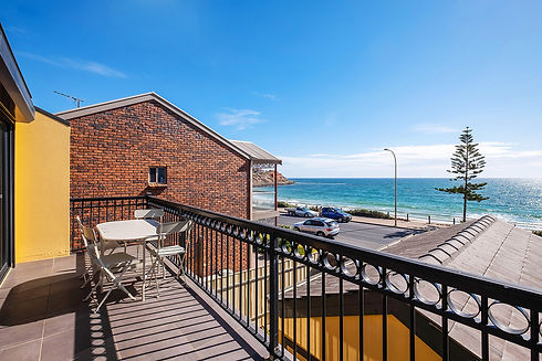 3_42 Esplanade, Christies Beach _10.jpg