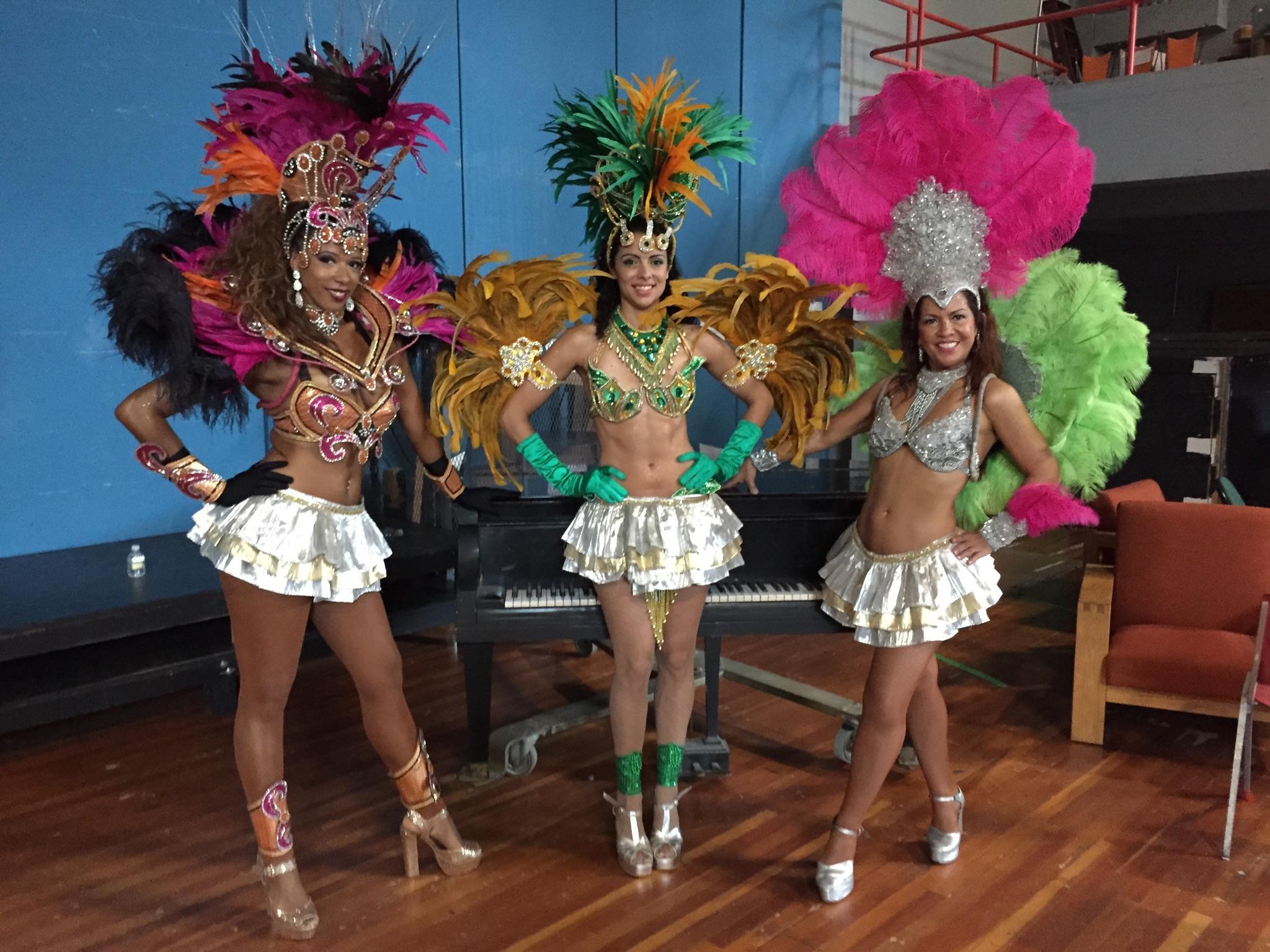 Sambadancers2