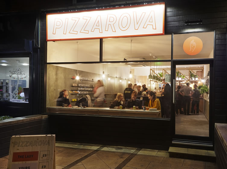Pizzarova, Bristol 6