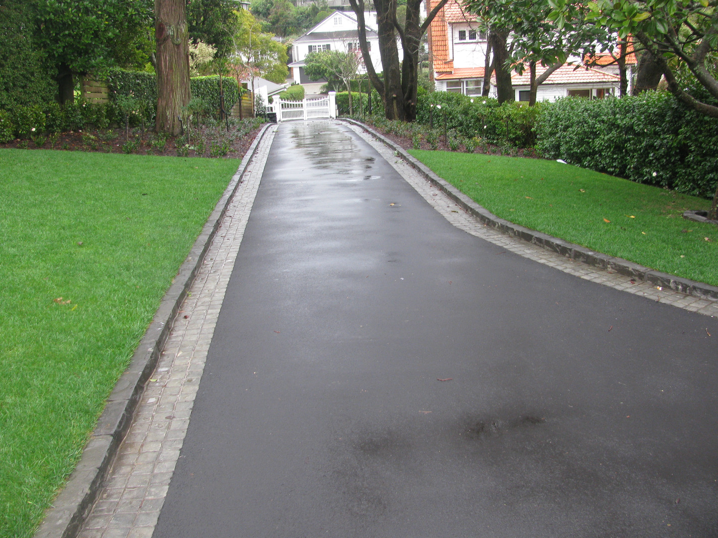 Residential Driveway with Paving
