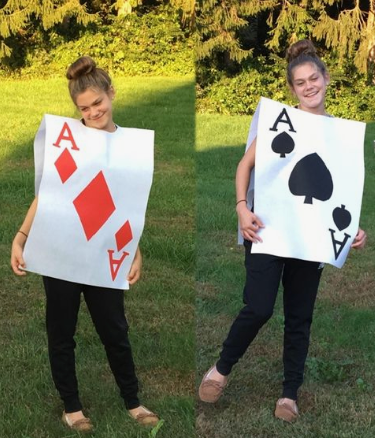 teacher-team-costumes-alice-in-wonderland-card-soldiers