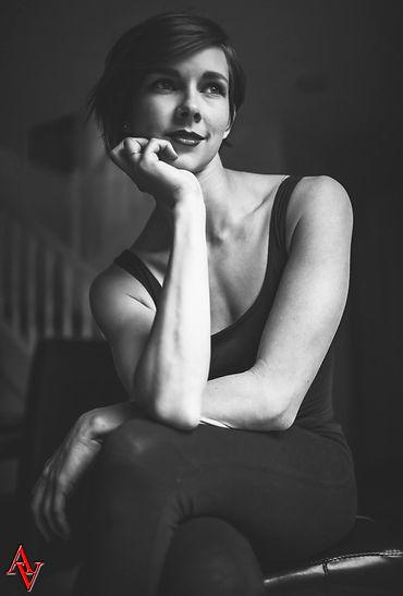 Sarah Bella Curts headshot