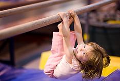 cvičení s dětmi 2.png