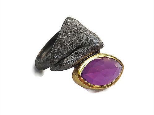 Ring in Black Rhodium and Gold plated Sterling Silver with Amethyst