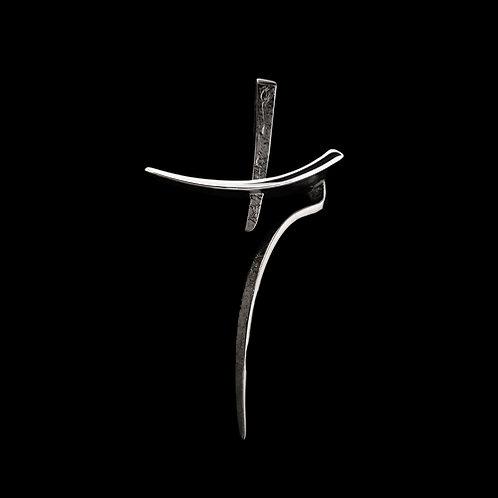 Μενταγιόν σε σχήμα σταυρού από ασήμι 925˚