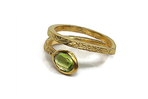 Ring in Gold plated Sterling Silver with Peridot