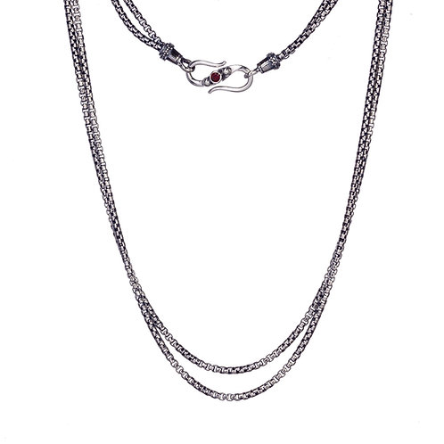 Box Chain in Sterling Silver with Garnet