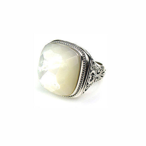 Ring in Sterling Silver with Stone
