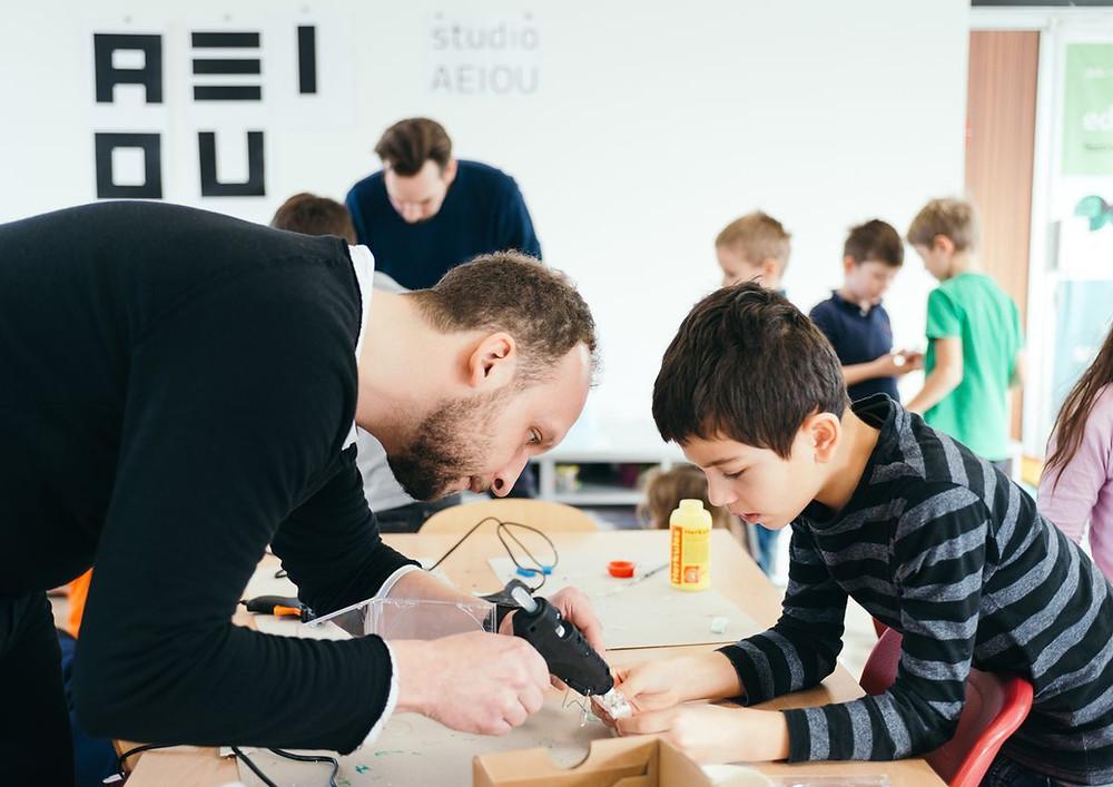 Workshop s ZŠ Labyrinth - studio AEIOU