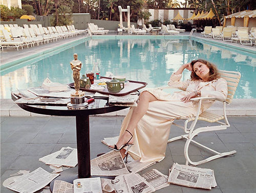 Faye-dunaway-oscars-swimming-pool-limited-edition-print-Terry-O-Neill-whitebank-fine-art