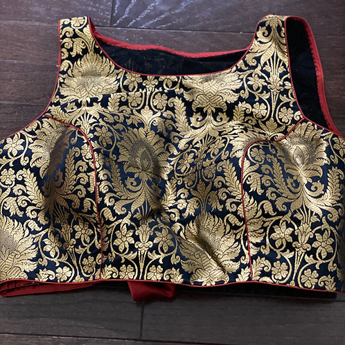 Benarasi Brocade with back red bow