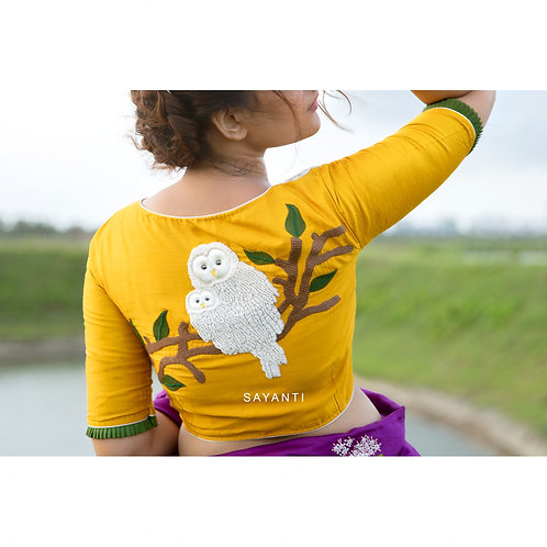 Embroidered white owl (lakkhi pencha)