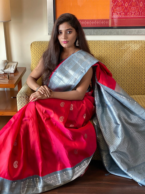 Rose red color pure silk Gadwal