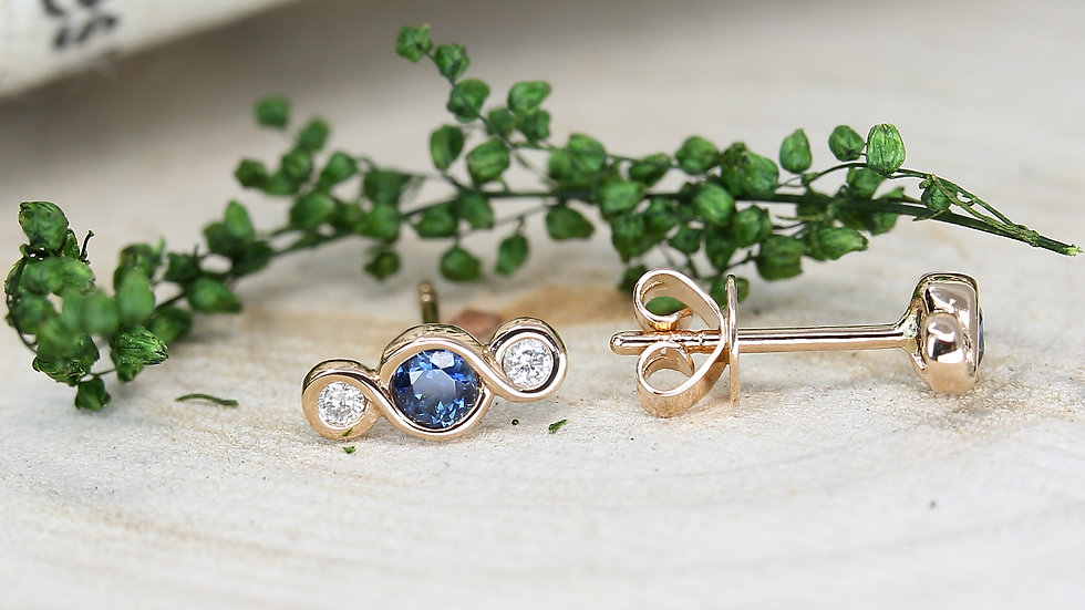 BE THE FLOW CLASSIC EARRINGS in 18k gold, Sapphire and Diamonds