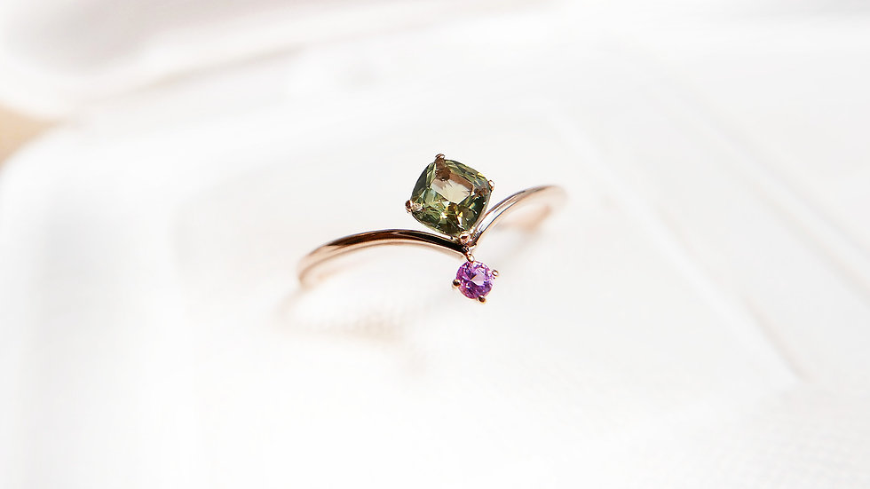 TIED THE KNOT in 18k gold, Green and Pink Sapphire