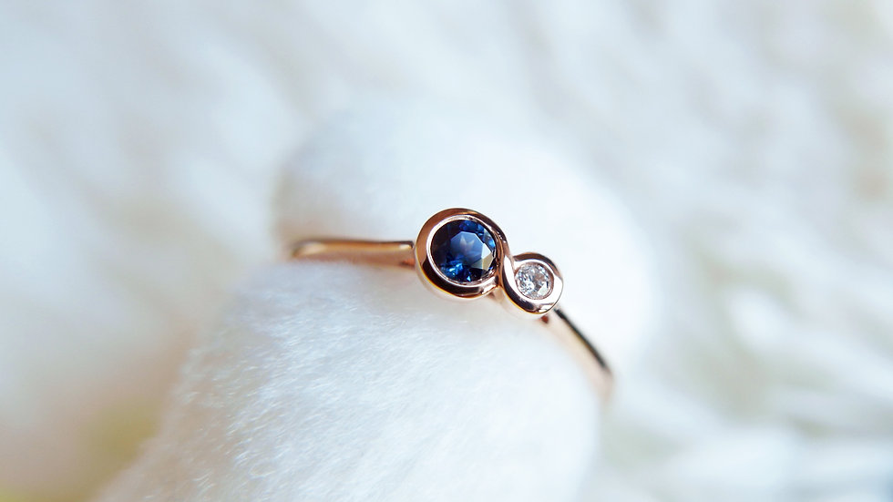 BE THE FLOW INFINITY in 18k gold, Sapphire and Diamond