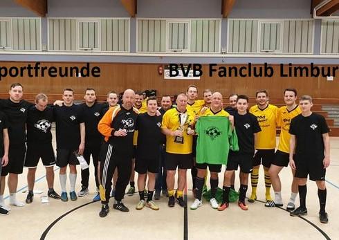  Budenzauber beim Hallenturnier des BVB Fanclub Gießen Gießen  18 Freizeit-Mannschaften kämpften i