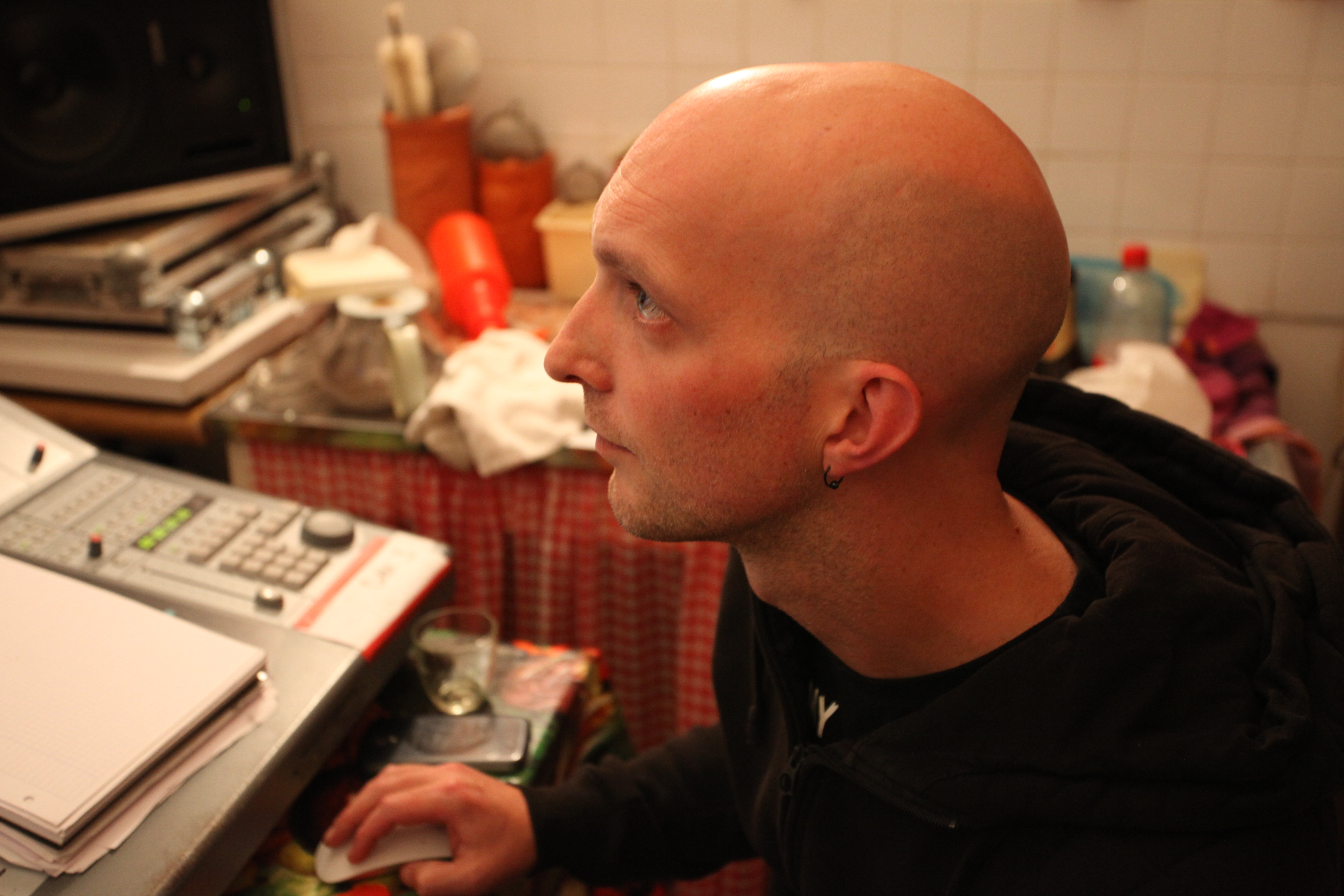 Ronan Le Corre régie son EP I'mLucky